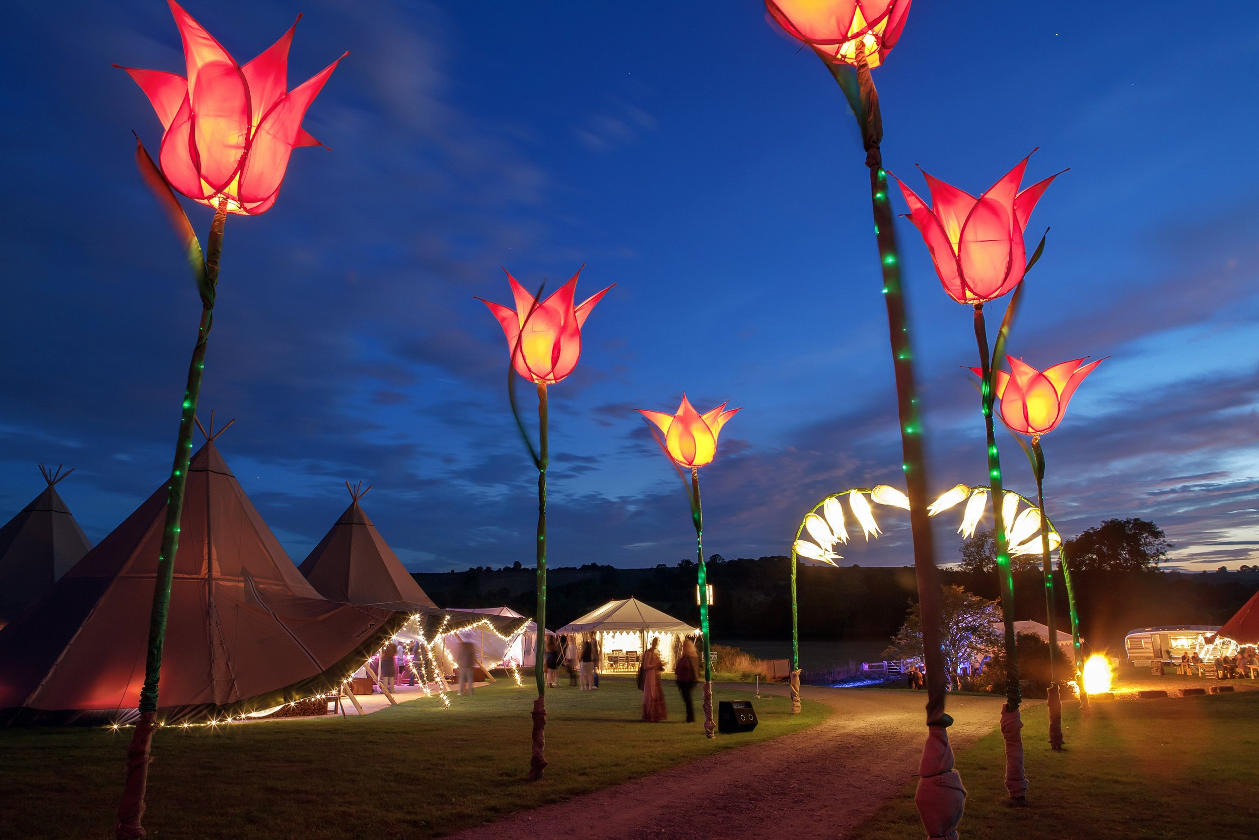 Our expert project management and consultancy comes as part of the package for your wedding, party or corporate event with our giant tipi tents.