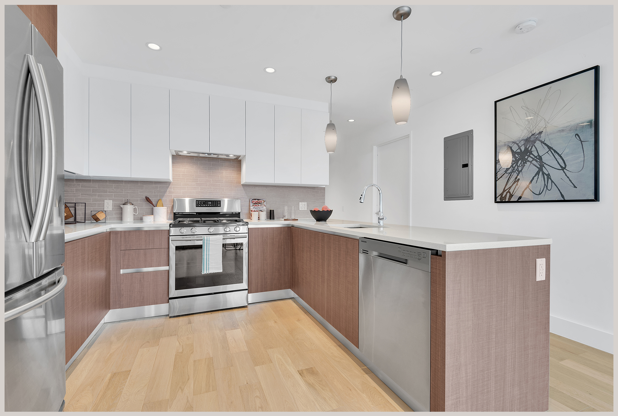 kitchen1_gray2030.jpg