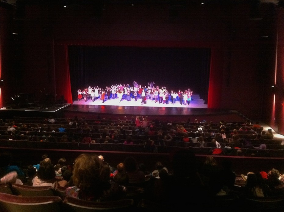 Students from Pinnacle Charter School on stage and in the house during Wonderbound's Community Education program.  Photo by  Garrett Ammon, 2014