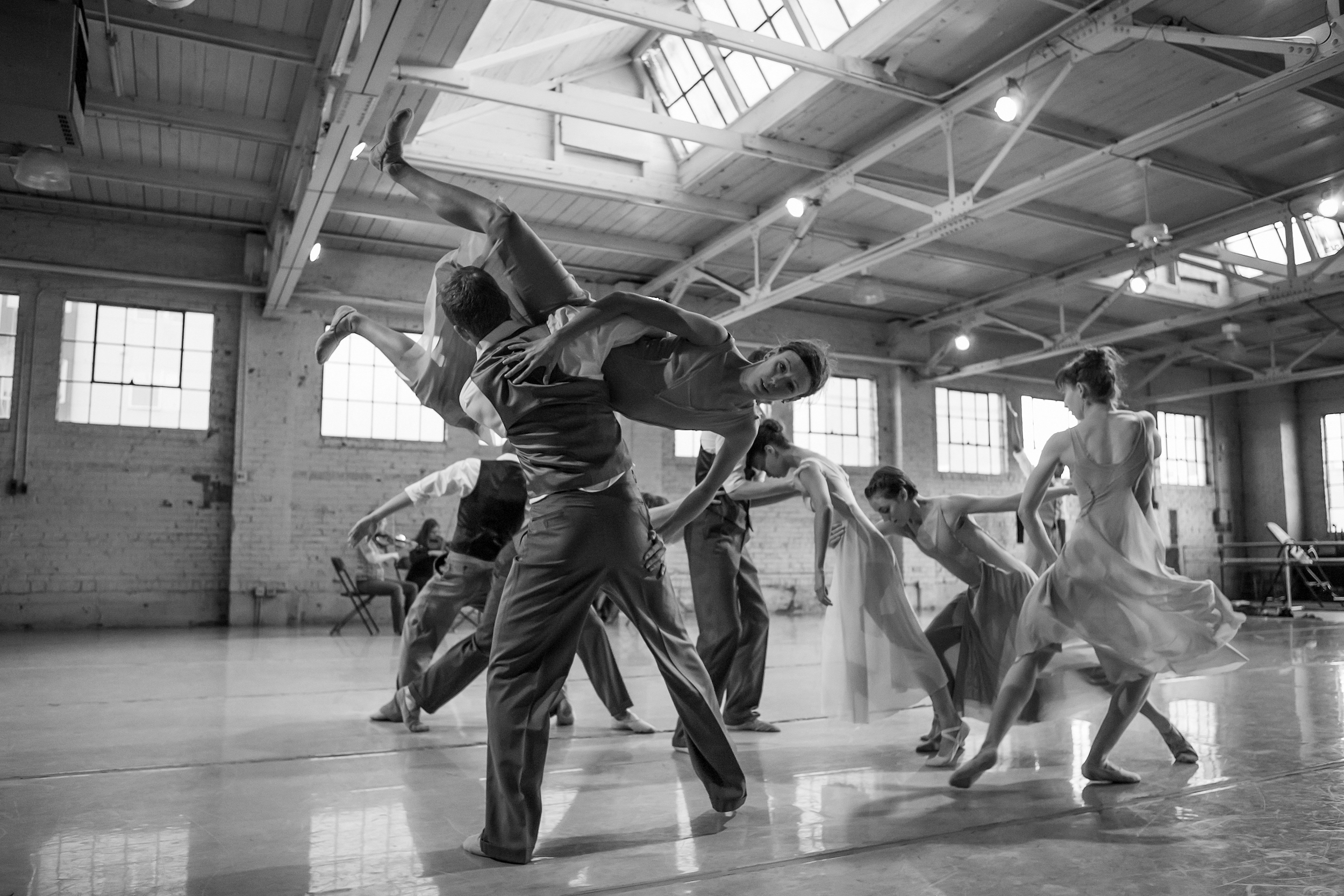 Wonderbound rehearsing Sarah Tallman 's  Peering Through Cracks and Knotholes  with Playground Ensemble. Photo by  Amanda Tipton . 2016.