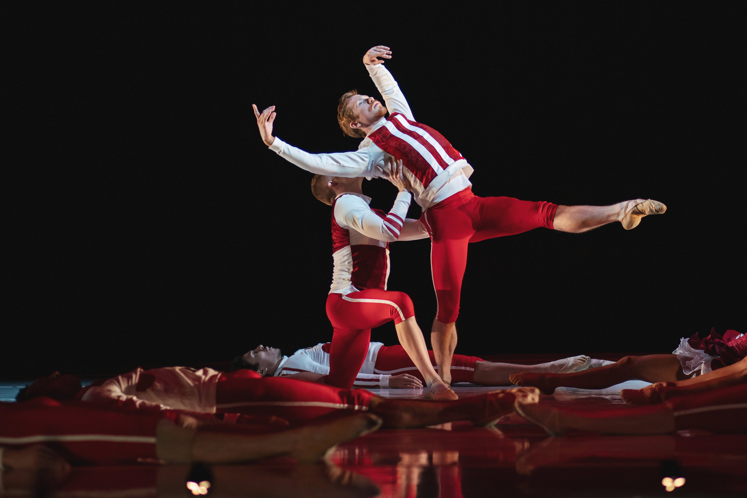 Wonderbound-dancers-in-Cupid_s-Playground-with-the-Colorado-Symphony_photo-by-Amanda-Tipton_20194.jpg