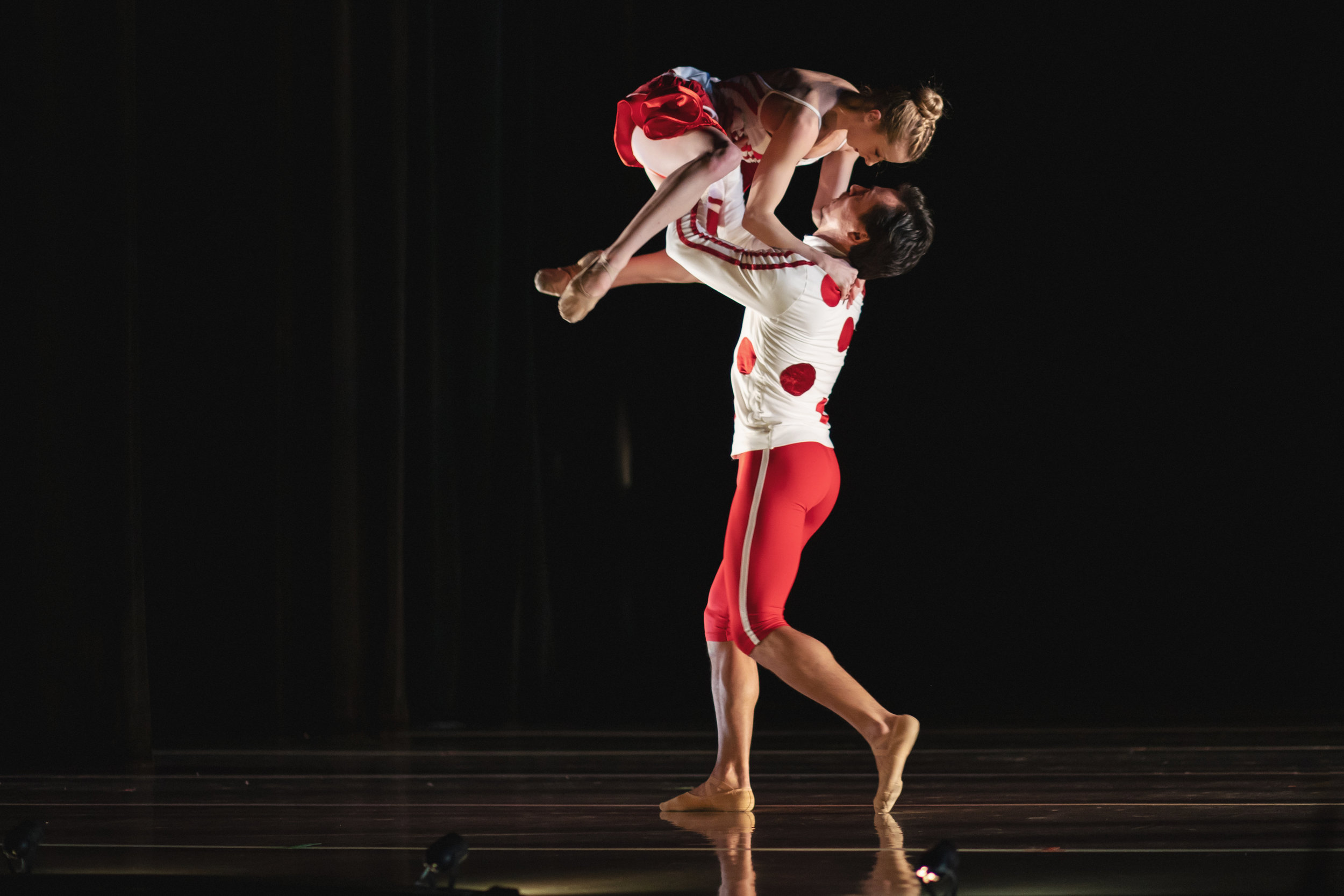 Wonderbound-dancers-in-Cupid_s-Playground-with-the-Colorado-Symphony_photo-by-Amanda-Tipton_20196.jpg