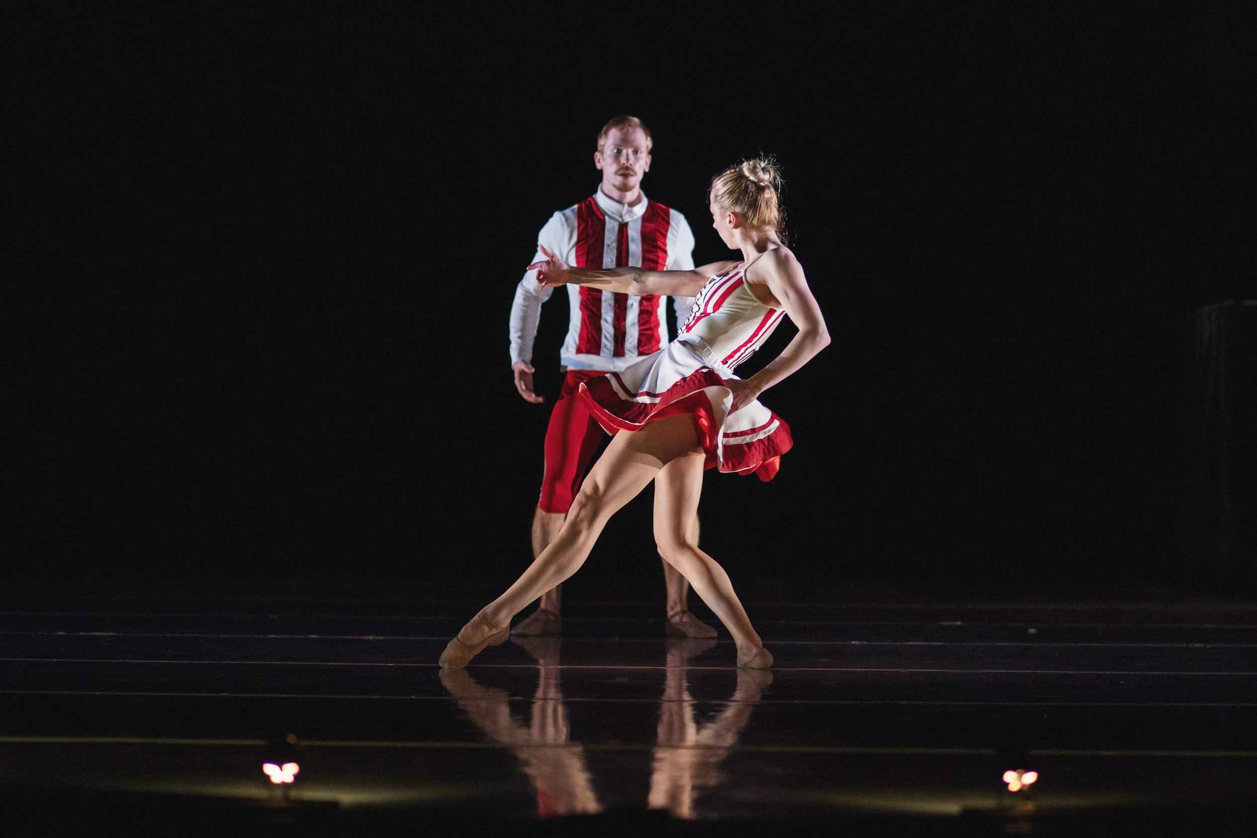Wonderbound-dancers-Deanna-Lefton-and-Ben-Youngstone-in-Sarah-Tallman_s_Read-The-Signs_in_Cupid_s-Playground_with-the-Colorado-Symphony_photo-by-Amanda-Tipton_2019.jpg