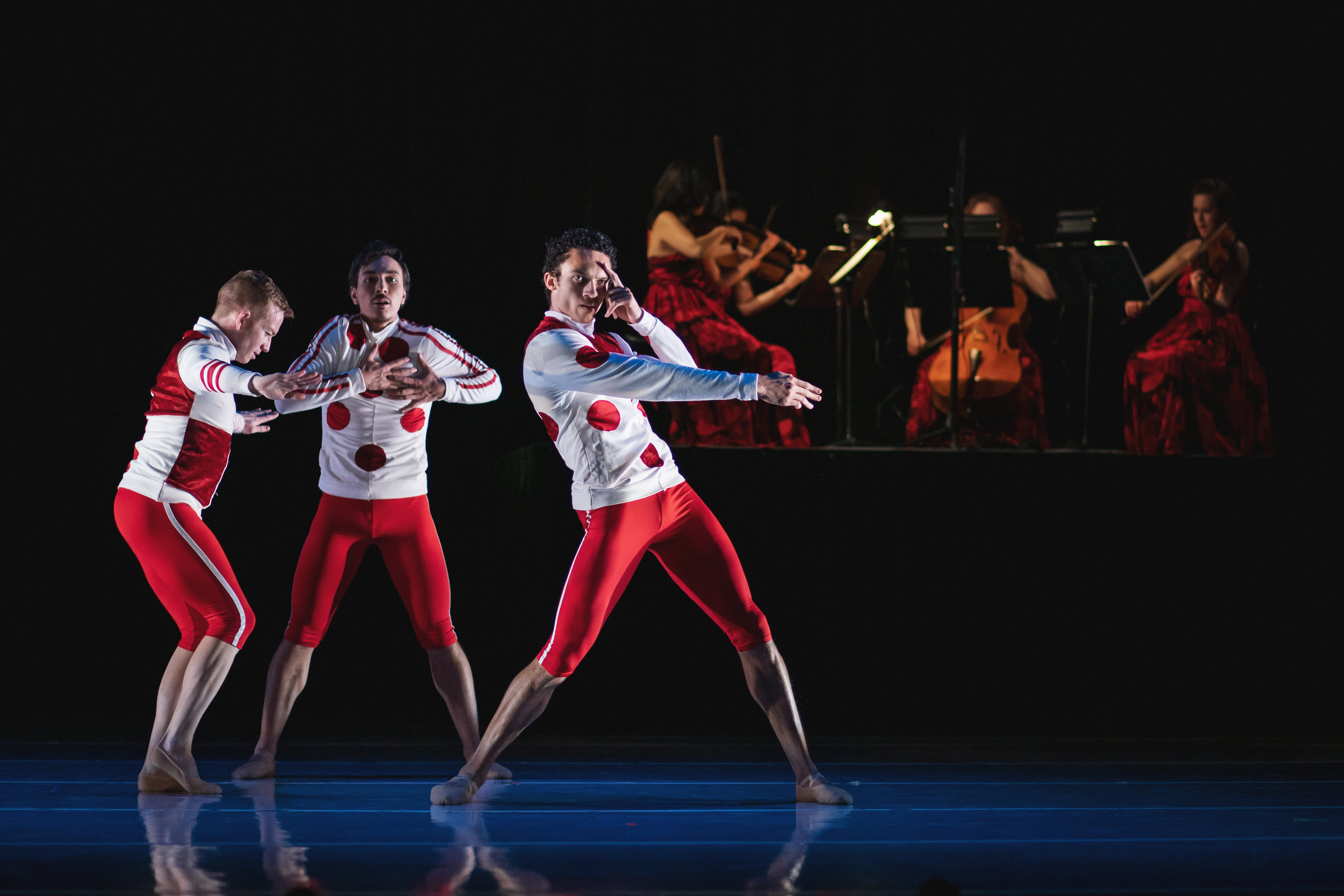 Wonderbound-dancers-in_Cupid_s-Playground_with-the-Colorado-Symphony_Photo-by-Amanda-Tipton_20194.jpg
