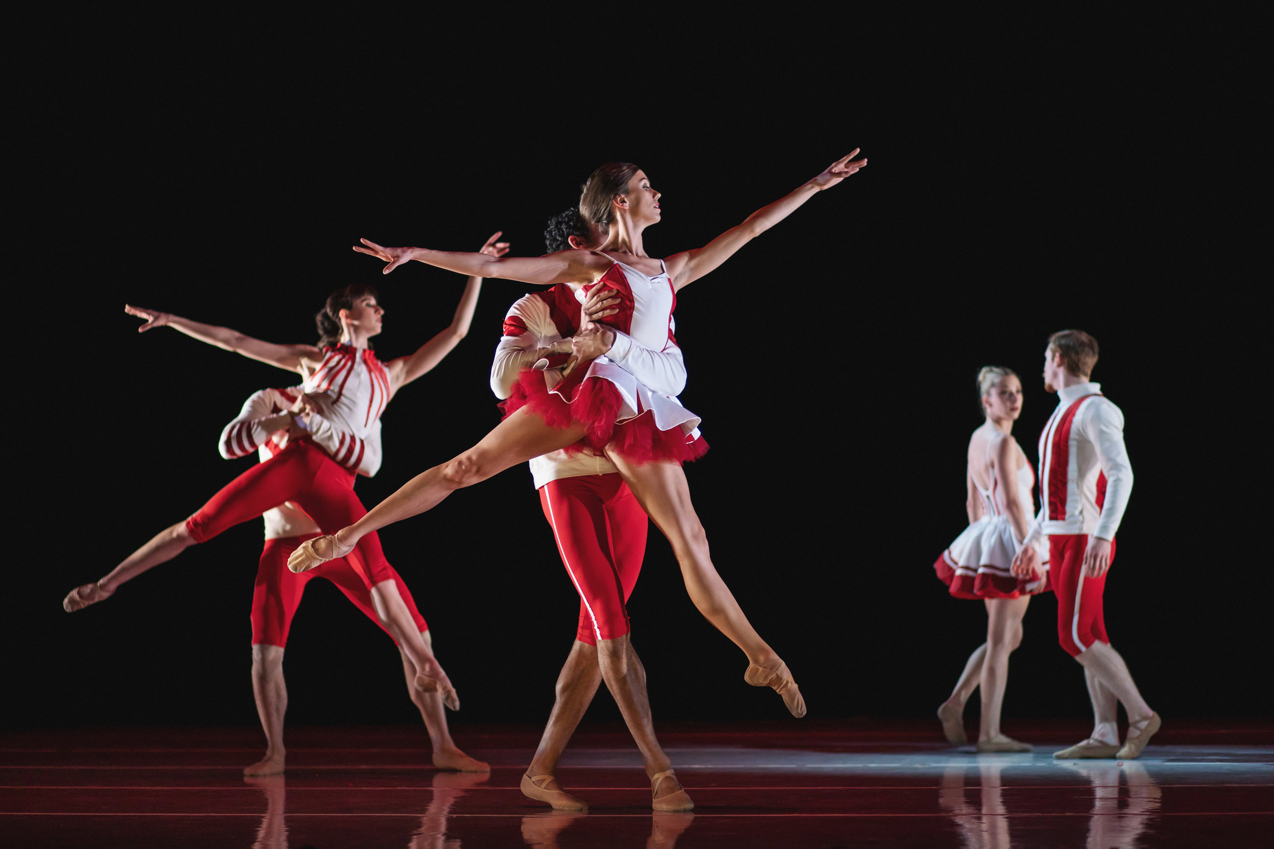 Wonderbound-dancers-in_Cupid_s-Playground_with-the-Colorado-Symphony_Photo-by-Amanda-Tipton_20195.jpg
