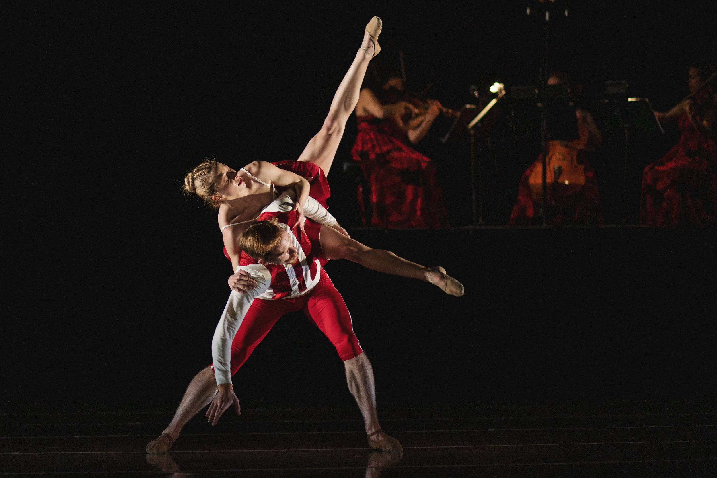 Wonderbound-dancers-in_Cupid_s-Playground_with-the-Colorado-Symphony_Photo-by-Amanda-Tipton_201911.jpg