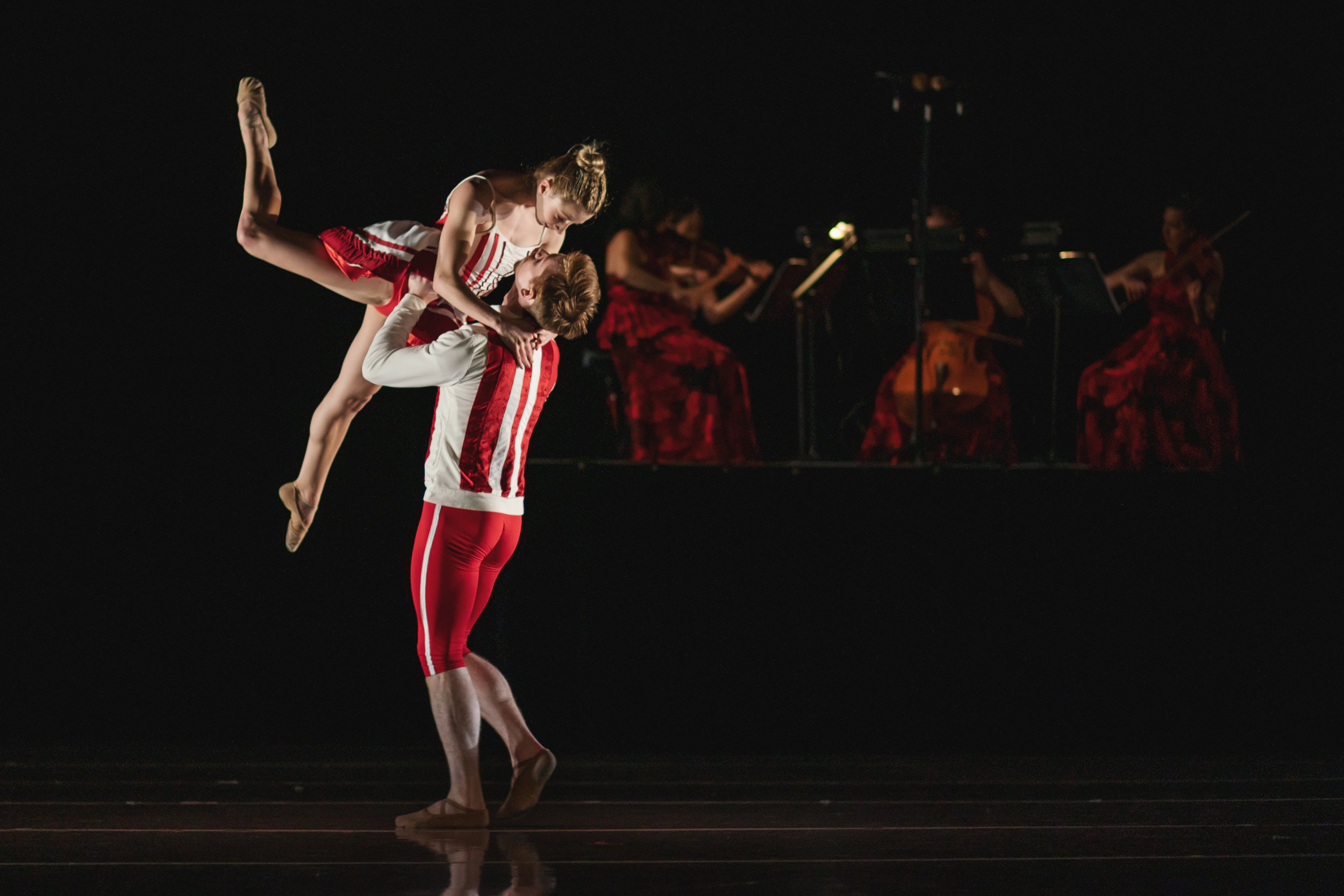 Wonderbound-dancers-in_Cupid_s-Playground_with-the-Colorado-Symphony_Photo-by-Amanda-Tipton_201912.jpg