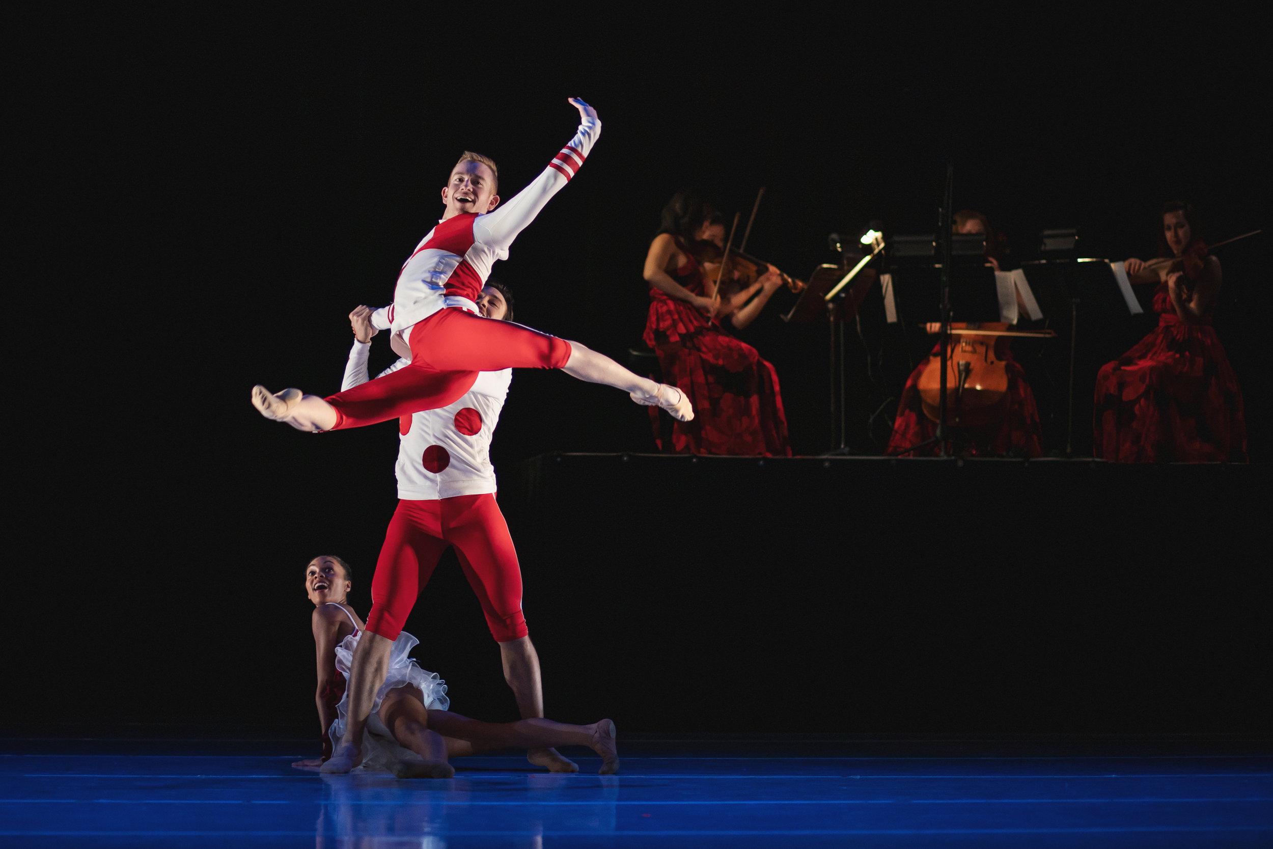 Wonderbound-dancers-in_Cupid_s-Playground_with-the-Colorado-Symphony_Photo-by-Amanda-Tipton_201915.jpg