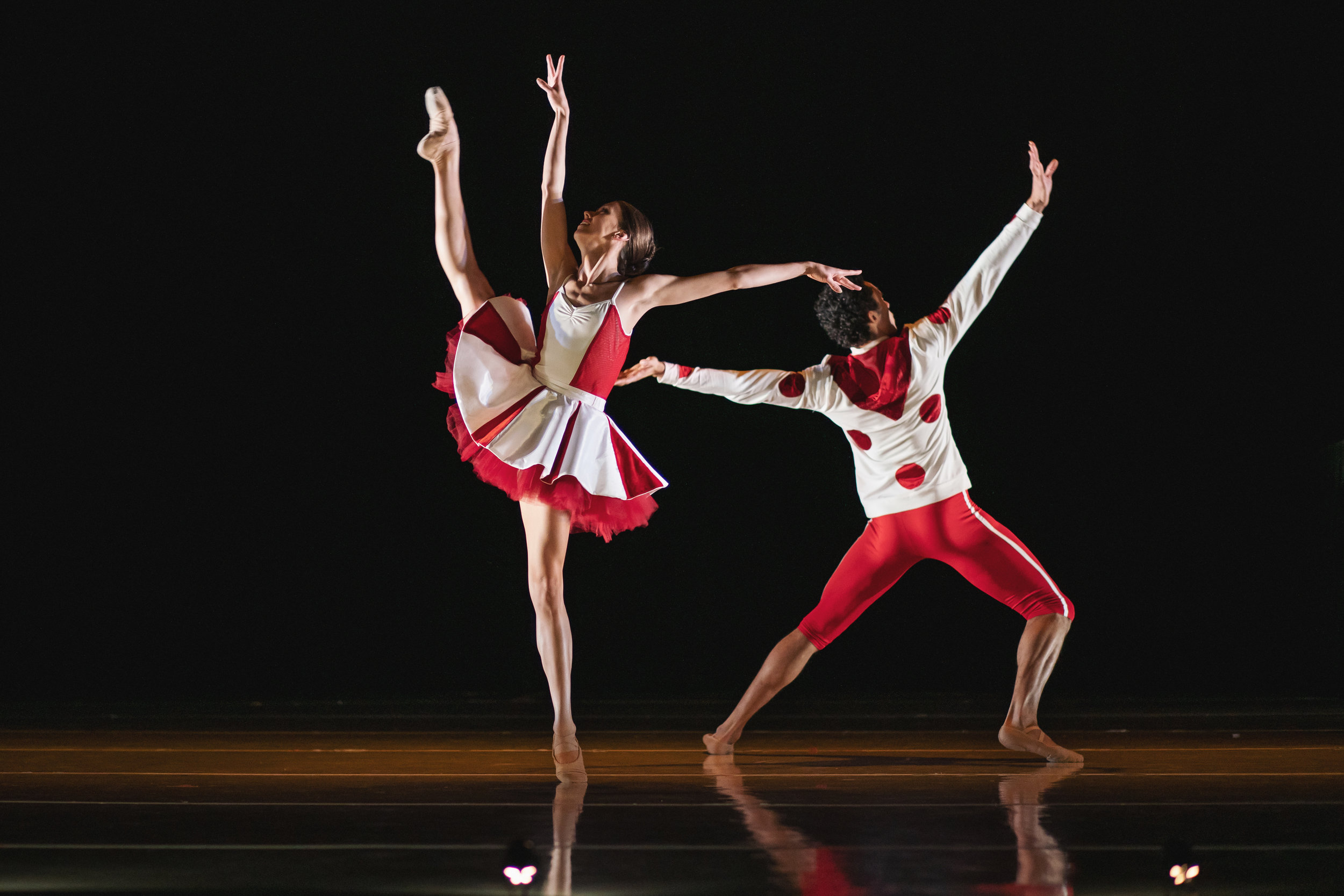 Wonderbound-dancers-in_Cupid_s-Playground_with-the-Colorado-Symphony_Photo-by-Amanda-Tipton_201917.jpg