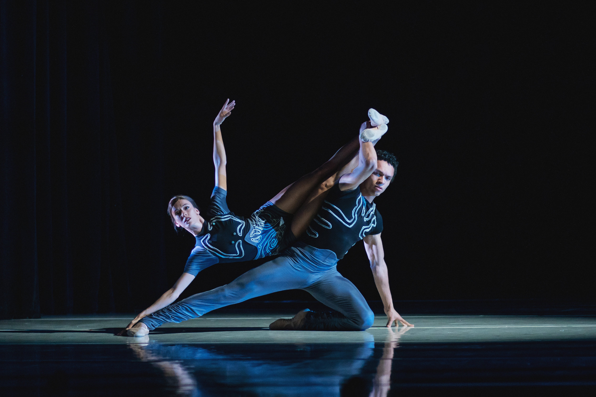 Wonderbound-dancers-in_Cupid_s-Playground_with-the-Colorado-Symphony_Photo-by-Amanda-Tipton_201950.jpg