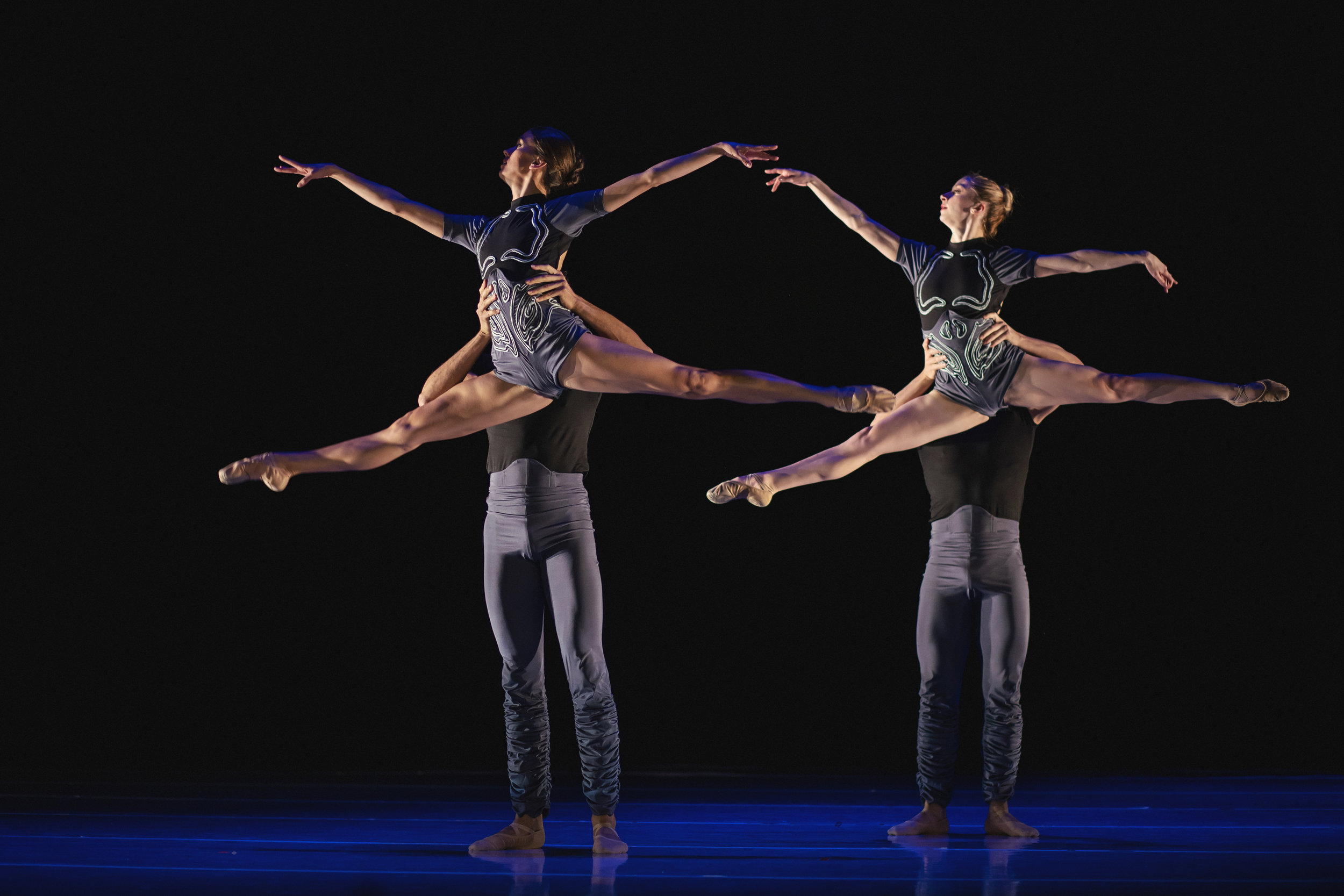 Wonderbound-dancers-in-Artistic-Director-Garrett-Ammon_s_With-Your-Help_in_Cupid_s-Playground-with-the-Colorado-Symphony_photo-by-Amanda-Tipton_20199.jpg