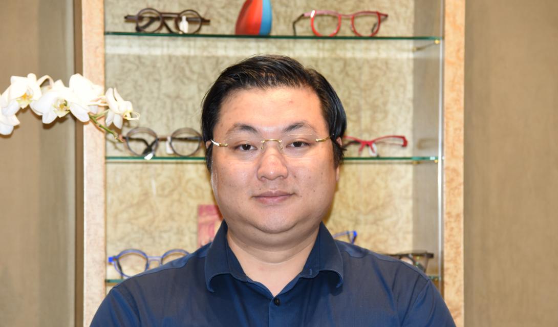 Yan Huang, Licensed Optician,