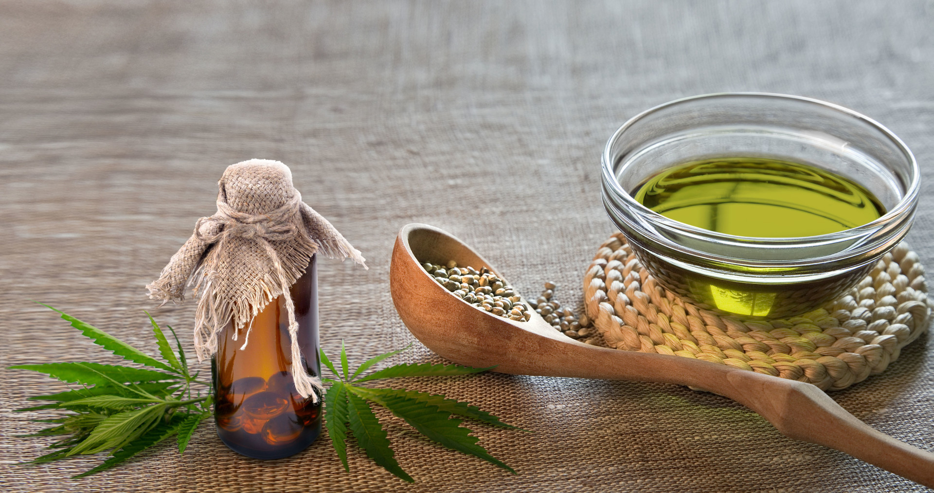 difference-between-hemp-seed-oil-and-CBD-oil-1920x1013.jpg