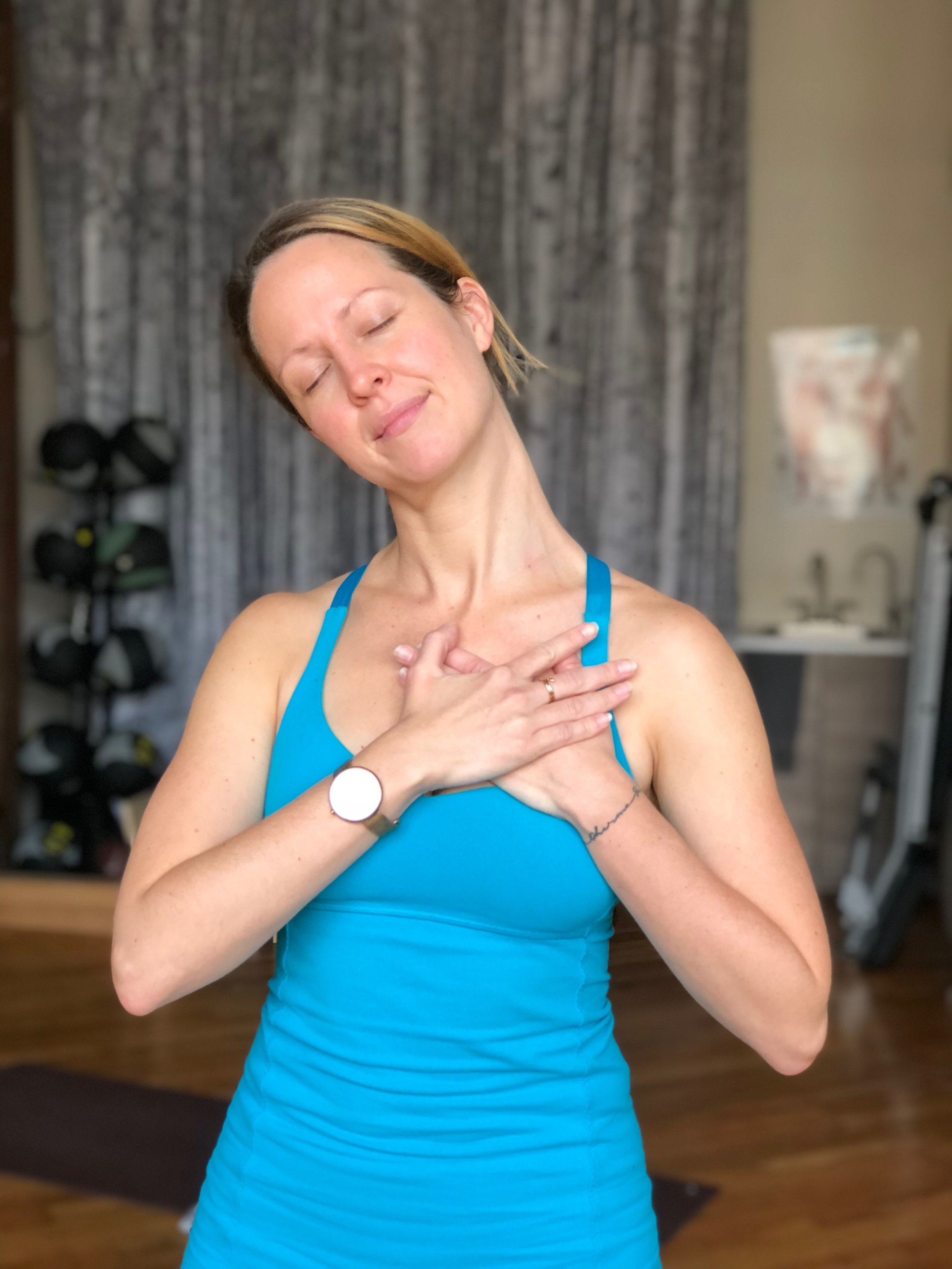 fascia & muscle - A 2-4-1 stretch for the front of your neck.