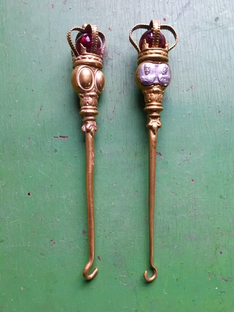 Brass buttonhooks commemorative of queen Alexandra and King Edward VII coronation 1902.jpg