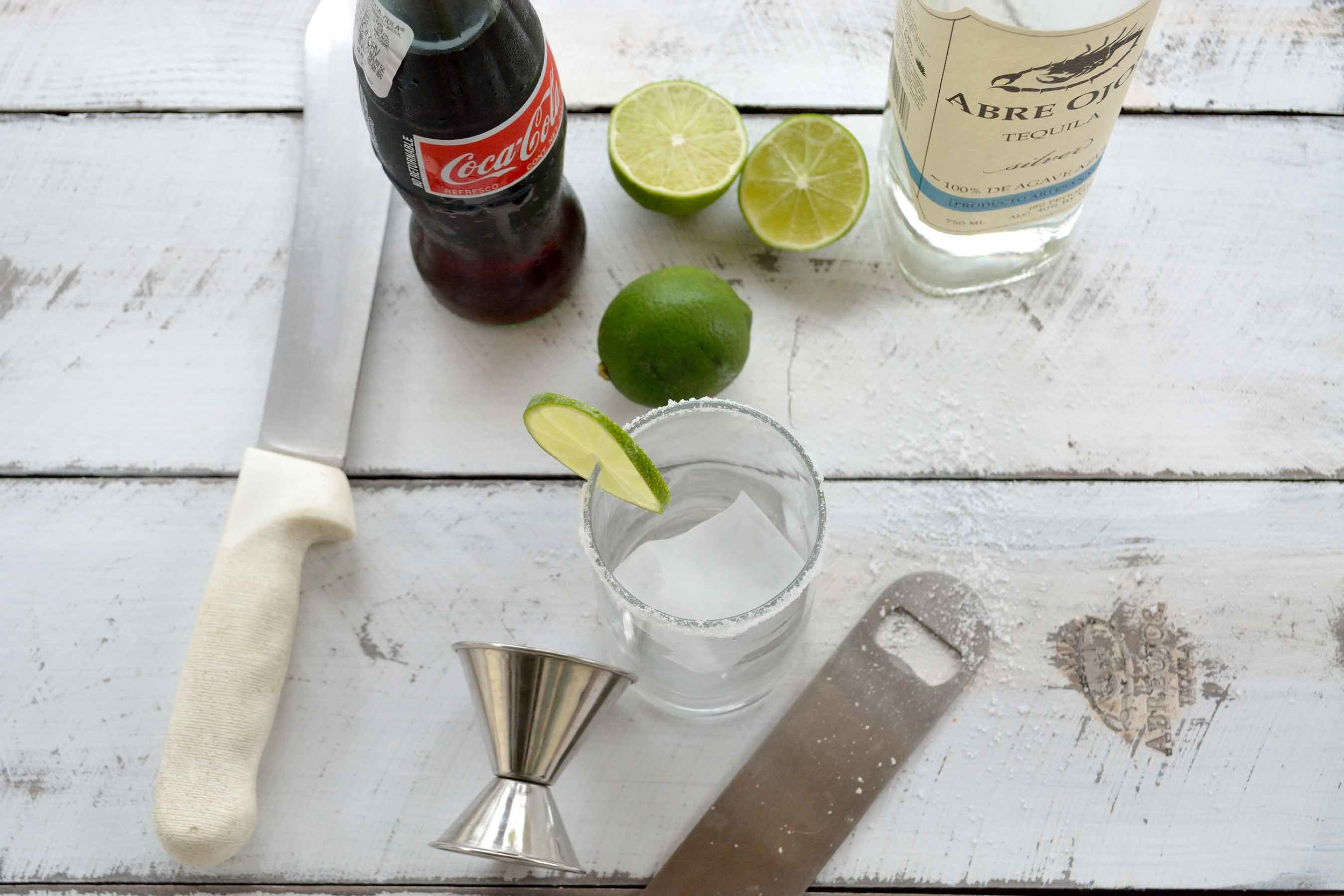 cocktails_abre_ojos_tequila_coca_cola.jpg