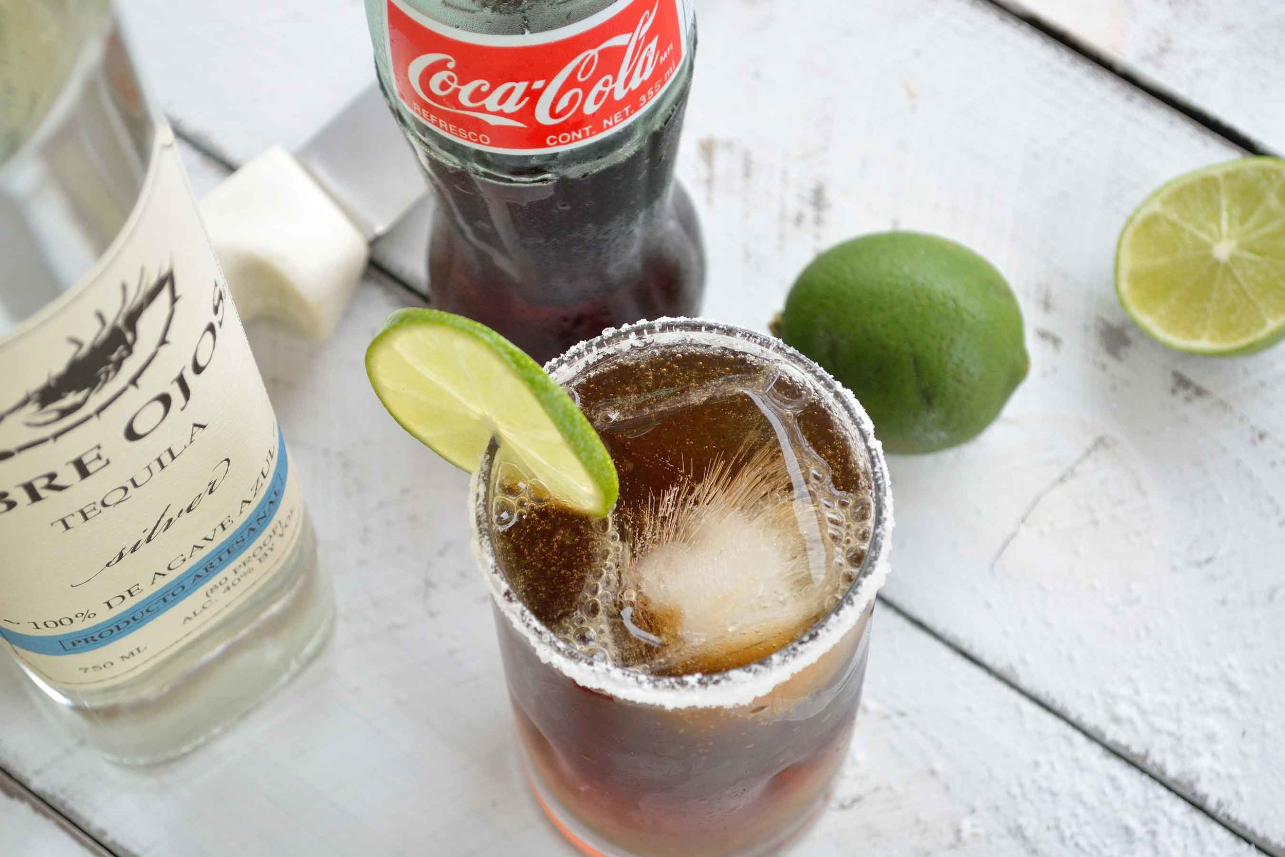 tequila_abre_ojos_coca_cola_lime_cocktail.jpg