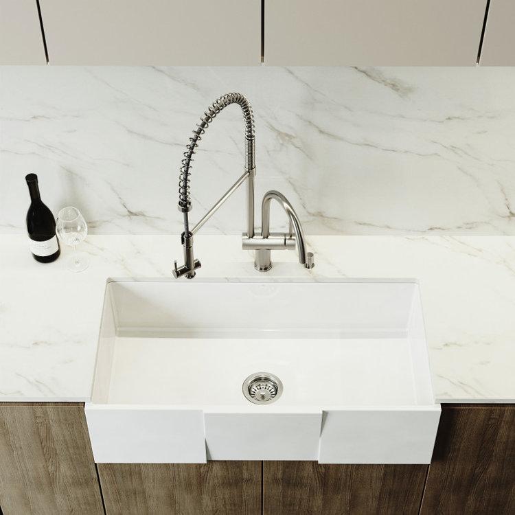 Farmhouse kitchen sink by VIGO