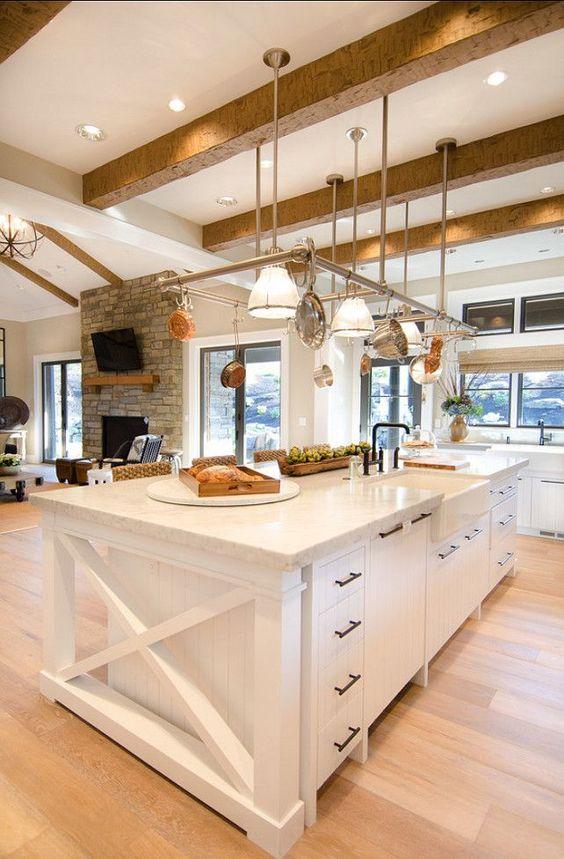 Farmhouse kitchen design VIGO Industries1.jpg