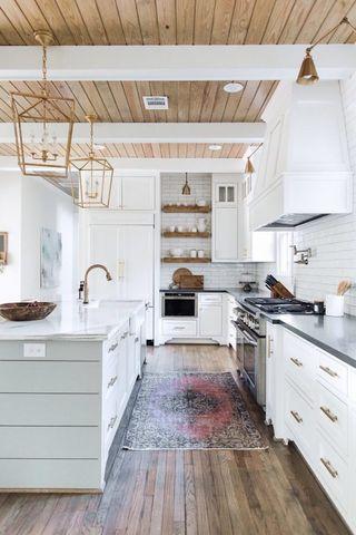 Farmhouse kitchen design VIGO Industries10.jpg