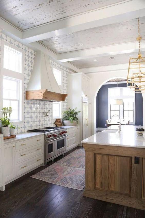 Farmhouse kitchen design VIGO Industries14.jpg