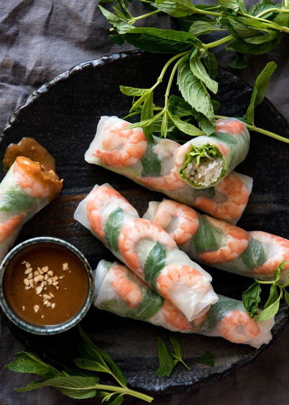 Spring Rolls - IngredientsServes 7Seafood11 Prawns/shrimp, small cookedProduce1 cup Bean sprouts1/2 tsp Chilli1 Garlic clove7 Lettuce leaves - use a lettuce with, leaves soft14 Mint, leavesCondiments2 tbsp Hoisin sauce1 tbsp Peanut butterPasta & Grains50 g Vermicelli noodles, driedSee it here!