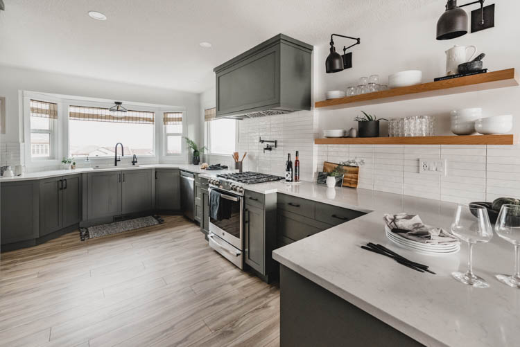 BEFORE AND AFTER: DIY KITCHEN RENOVATION | VIGO Industries - Kitchen design Ideas - Kitchen Remodels - Home Interior - Kitchen Sinks and Faucets