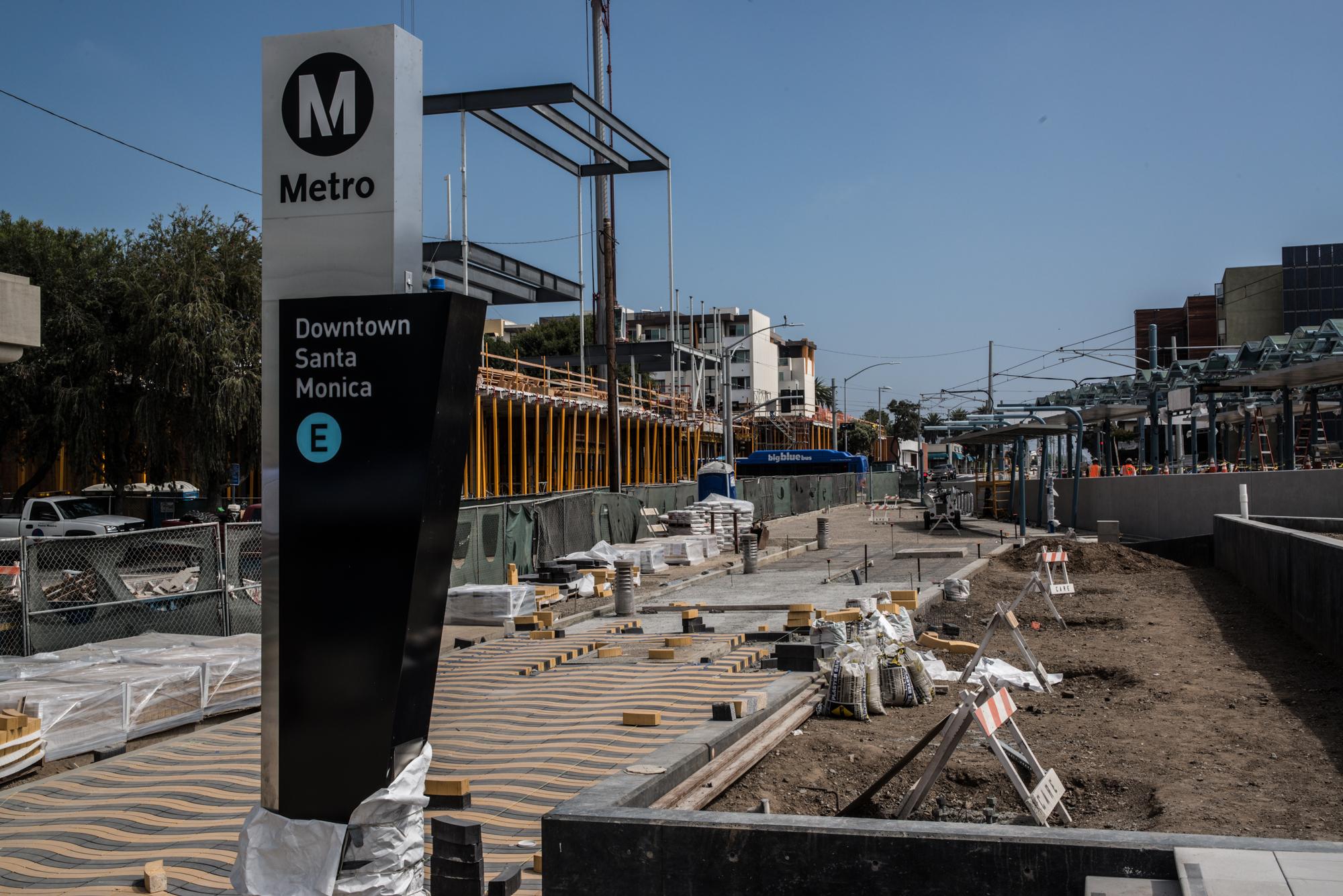 Grand-Pylon-at-Downtown-Santa-Monica-Station.jpg
