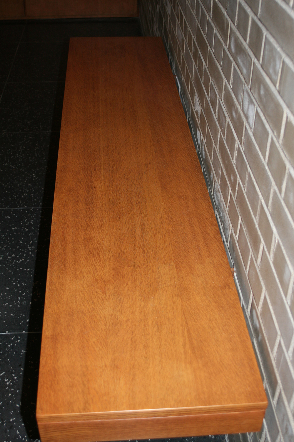 Veneered bench after treatment
