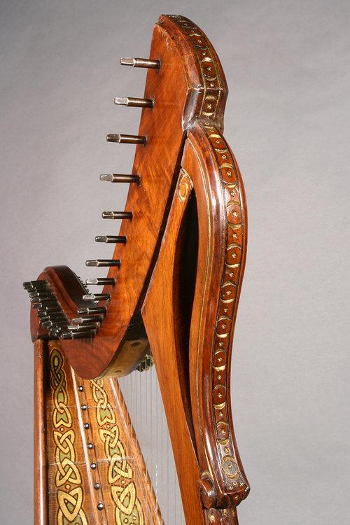 Irish harp design detail