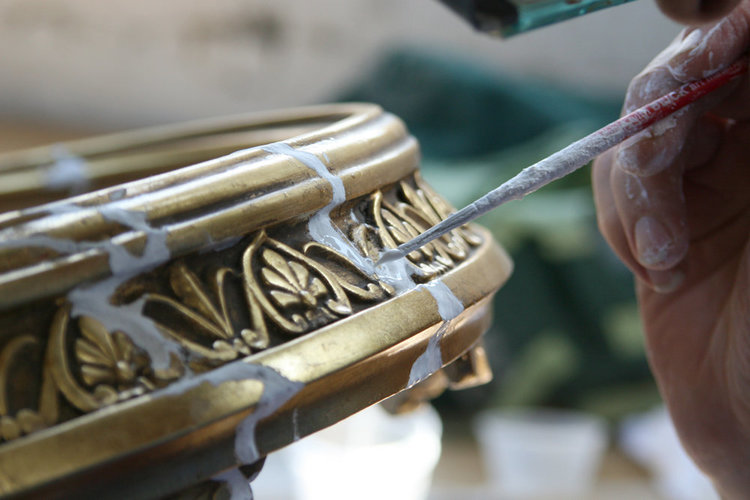 Preparing the surface for gilding
