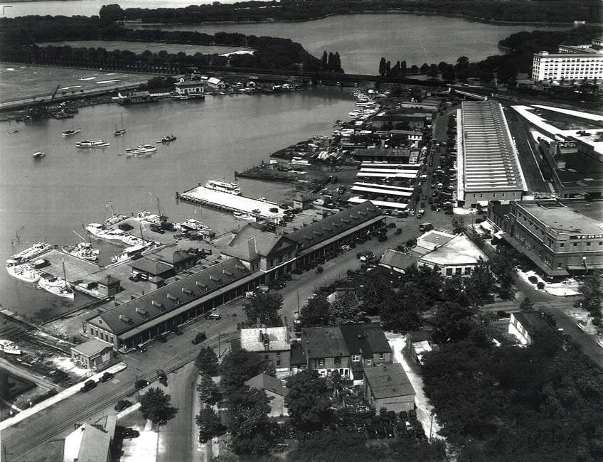 02a-The Wharf-Early 1990s.jpg