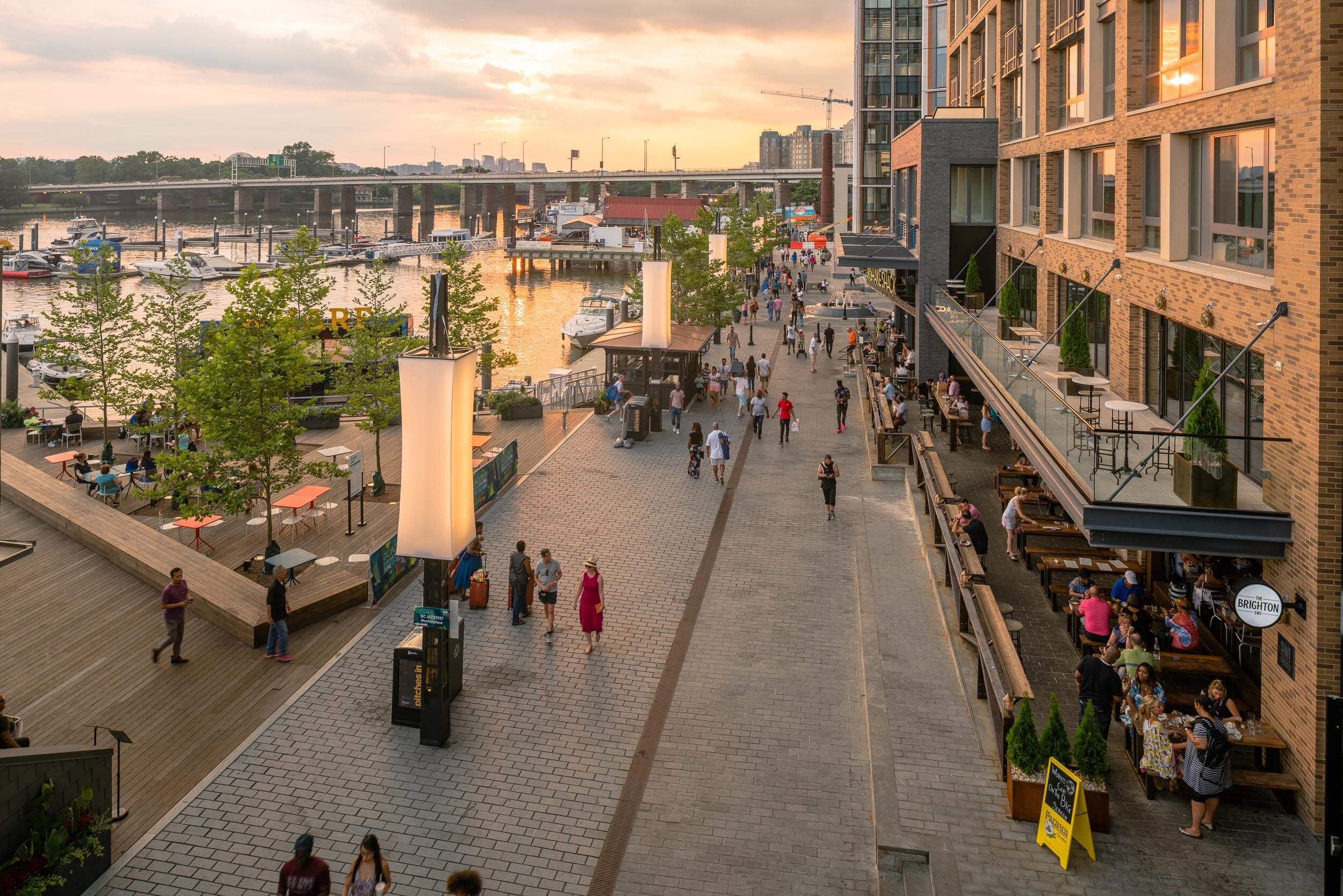 04-The Wharf Promenade.jpg