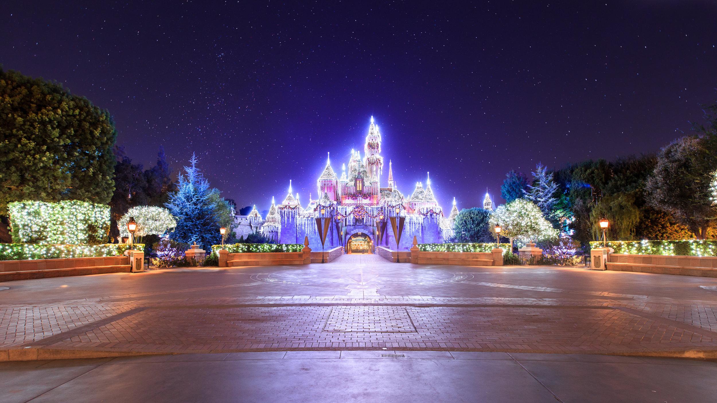 sleeping-beauty-castle-holidays-121112-0048_1.jpg