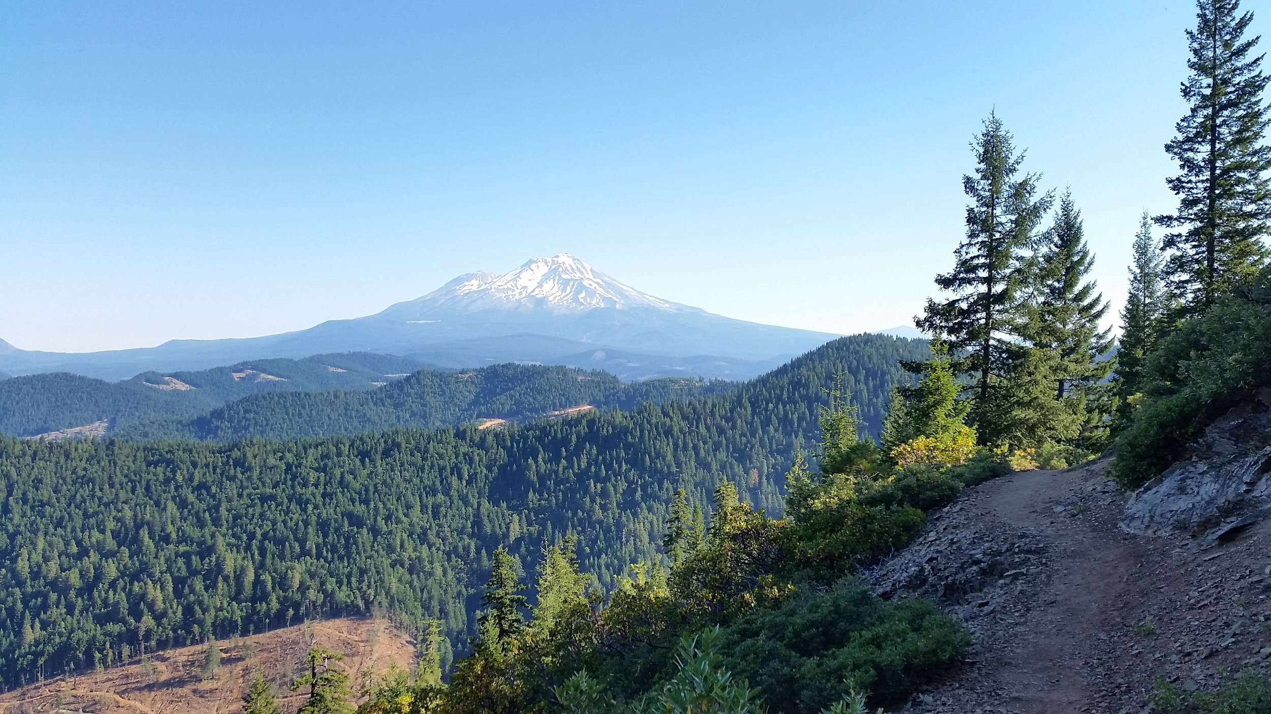 Mt. Shasta would be a common fixture in my horizon for at least 400 miles