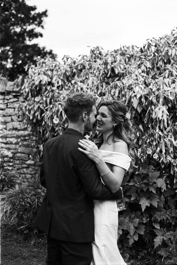 Black-and-white-film-wedding-photographer-00045.jpg