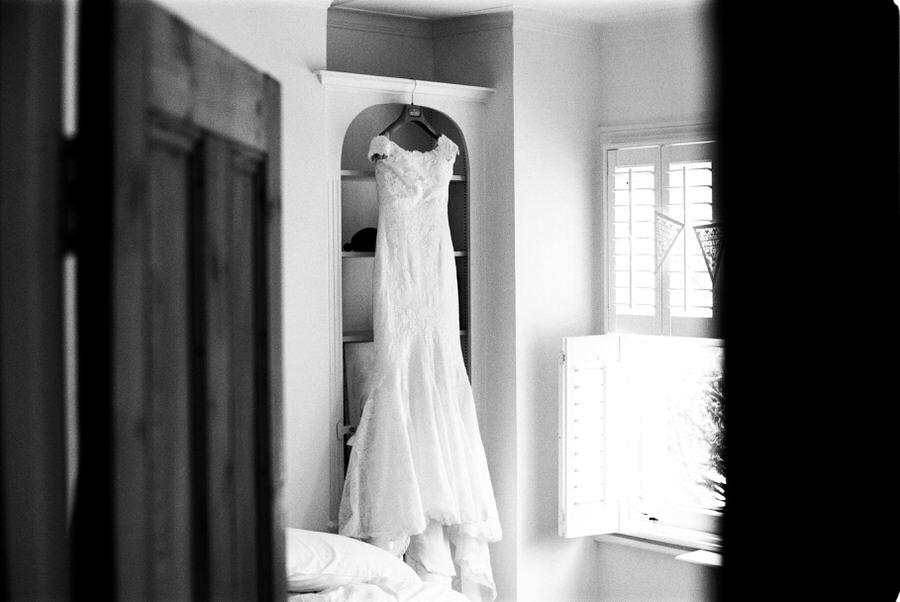 Black-and-white-film-wedding-photographer-00075.jpg