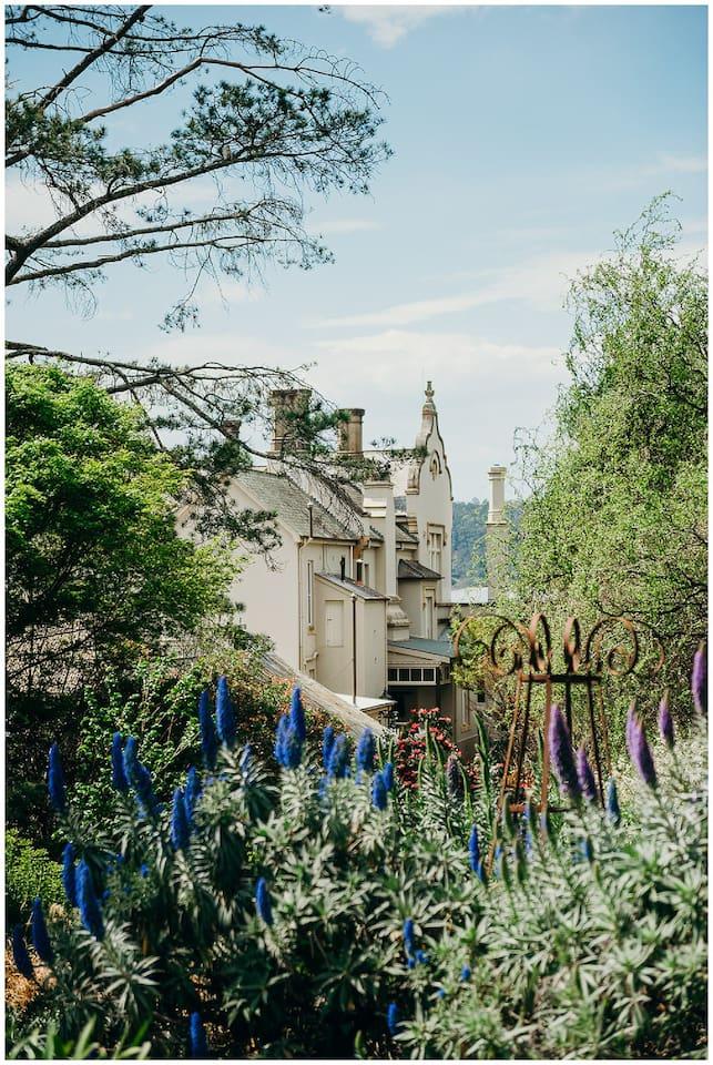 HH-Artists-Cottage-Accommodation-Southern-Highlands-8.jpg