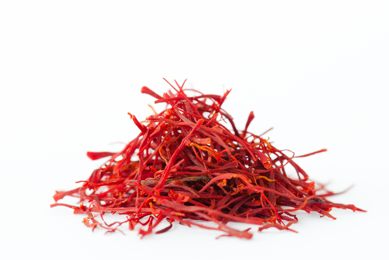 Saffron - Saffron is an anti-oxidant and contains anti-inflammatory properties. It helps to even skin tone and complexion.Good for acne, scars, glowing skin, rashes and removing suntan.