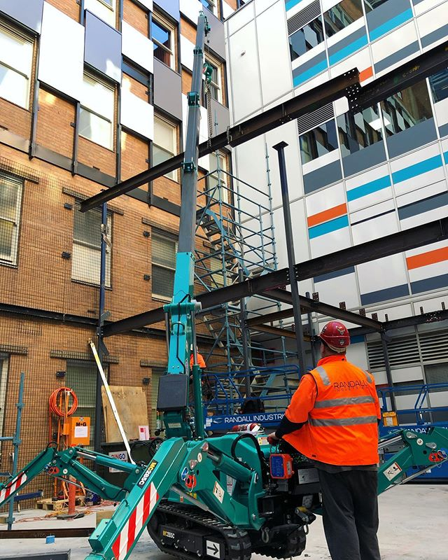 Onsite today installing stage 2 of the RMH operating theatre upgrade. Tight site restrictions are no problem with our fleet of mini cranes and experienced riggers/operators  #outwiththeold #inwiththenew  #steel #design #metal #welding #mobilecrane #lifting #construction  #fabrication #engineering #metalwork #weld  #industrial  #welder #maeda #minicranes #crane #rigging #structuralsteel #structure