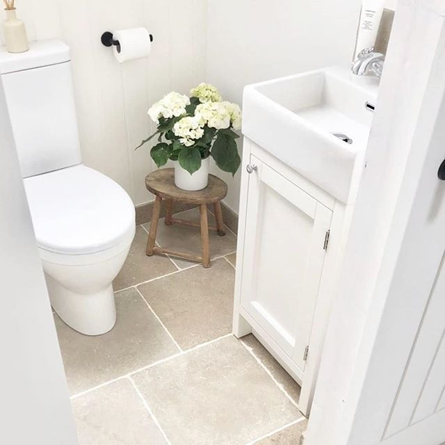 We were delighted to be able to work with the always tasteful Zoe from @from_coast_to_country_home to create her beautiful new ensuite bathroom. Featuring our petite but very pretty Hampton cloakroom unit and coordining mirror. Zoe has recently started a blog all about her life and interior inspiration (Which I think you'll agree is absolute goals!), so do pop over and have a read of her latest post 🖤  https://fromcoasttocountryhome.wordpress.com/ . . . #blogger #interiorsblogger #interiordesign  #bathroom #bathroominspo #homedecor #bathroomdesign #bathroommirror #apartmenttherapy #interiorinspo #interior4inspo