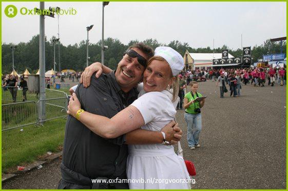 """Sorry deze foto bleek van 2008 volgens mijn """"ex hug-nurse"""" Wellicht heb ik daar inspiratie opgedaan voor Happy Doctor John"""