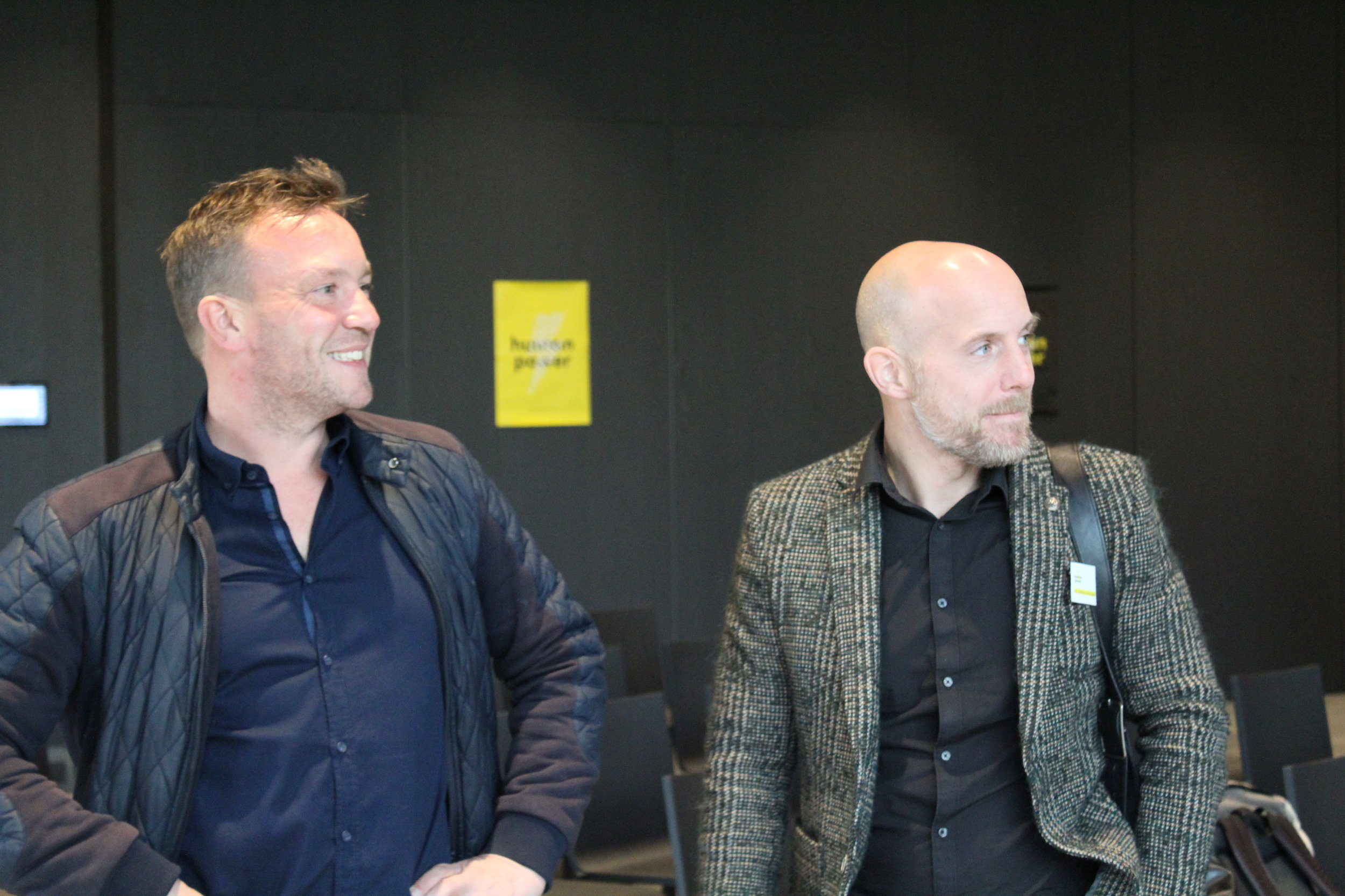 Human Power Now:  Prof. Dr. Rick van Baaren (links) & Dr. Matthijs van Leeuwen (rechts) voor hun lezing tijdens openingsconferentie de MENS achter het GEDRAG 31-10-2018 Château St. Gerlach Valkenburg