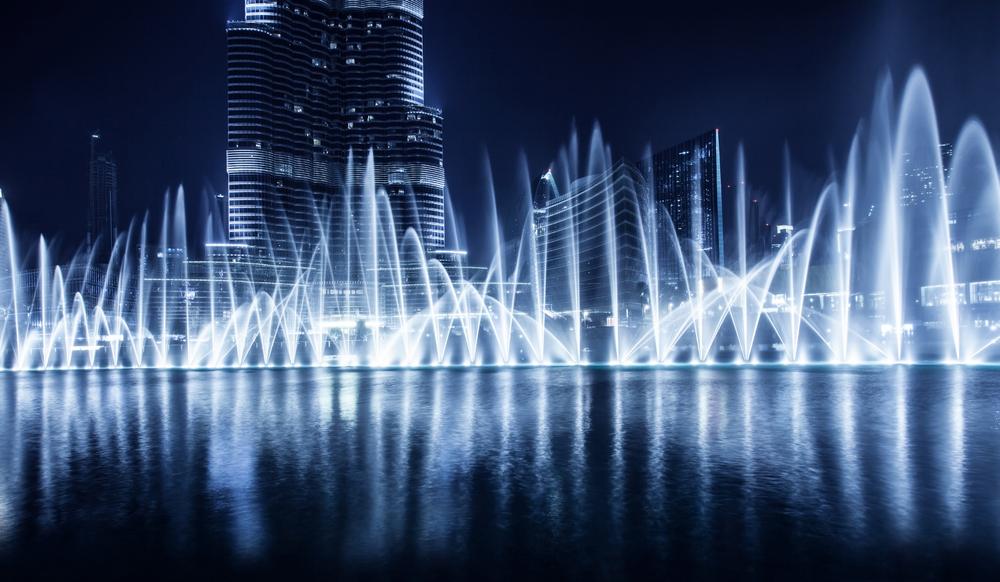 Fontenene utenfor Burj Khalifa