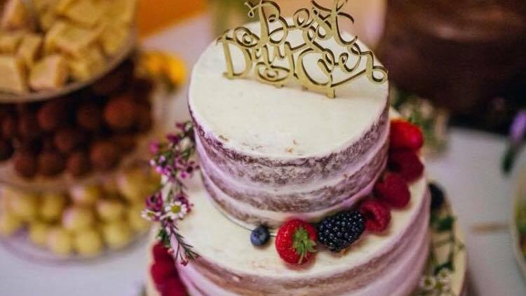 Fat Bottom Girls - Wedding cakes & bakery
