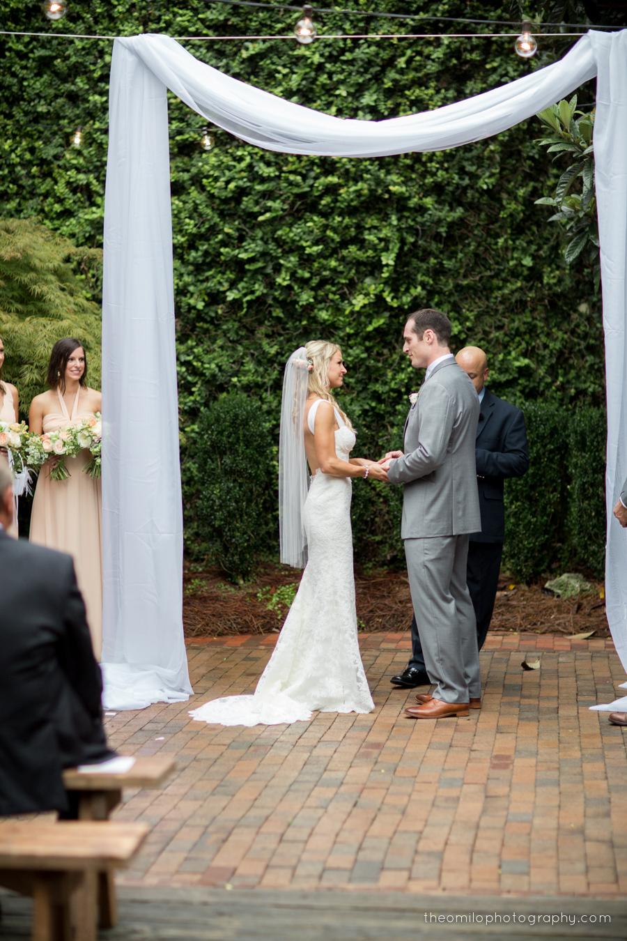 0259 Lauren and Brendan TheoMiloPhoto.jpg
