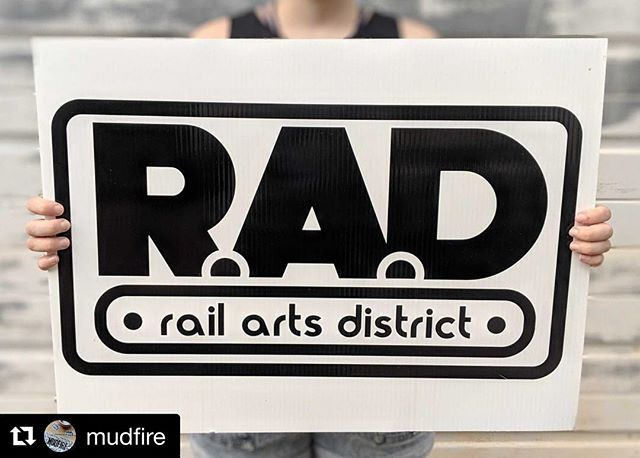 #Repost @mudfire with @get_repost ・・・ 🗣️ pssssst have you heard the news?!?! ⚡ RAD is BACK⚡Mark your calendars for Saturday, May 25th 11am to 6pm - and come hang out with us, @seedtostarcollective and @atlantahotglass and tour our studios, find great handmade, local art, enjoy snacks and have a WHOLE LOT OF FUN! ⁣ *⁣ *⁣ *⁣ #railartsdistrict #madeatmudfire #atlantaartist #exploregeorgia #weekendplans #supportartists #buylocal #⁣ ⁣