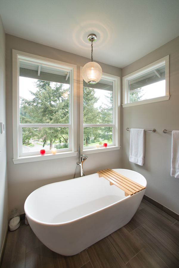 Bathroom tub architecture