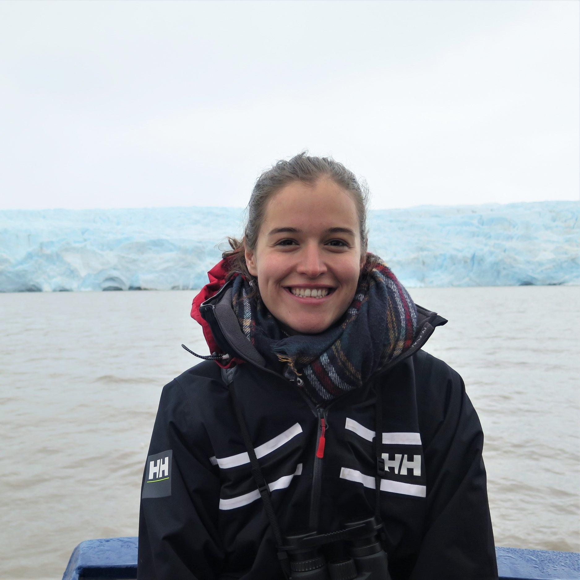 LENA NICOLA - Bachelor student (Geoecology, University of Potsdam)Topic: Ice-drainage basins in Antarctica