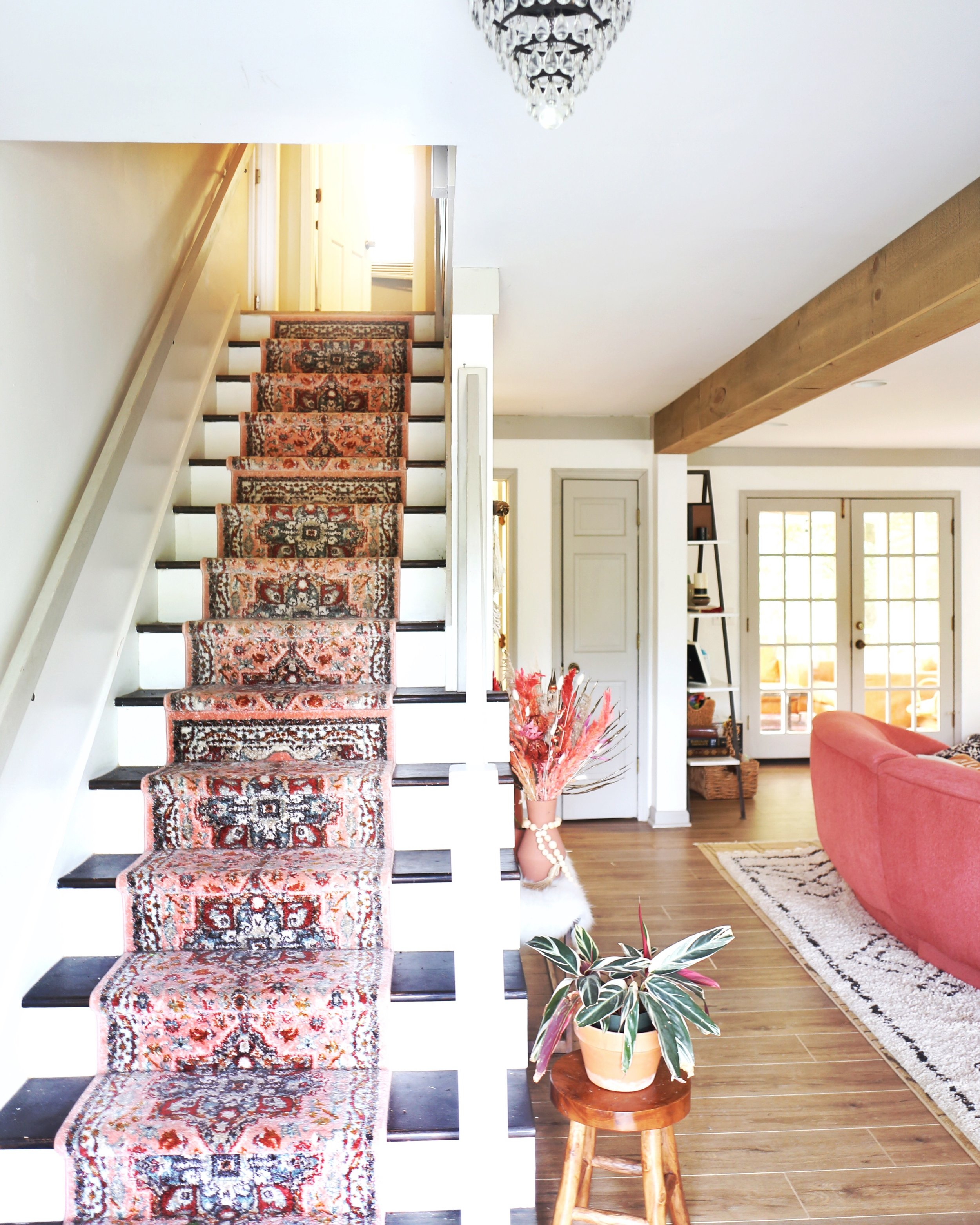 - How to Replace Old Carpet on Stairs with an Inexpensive Runner.